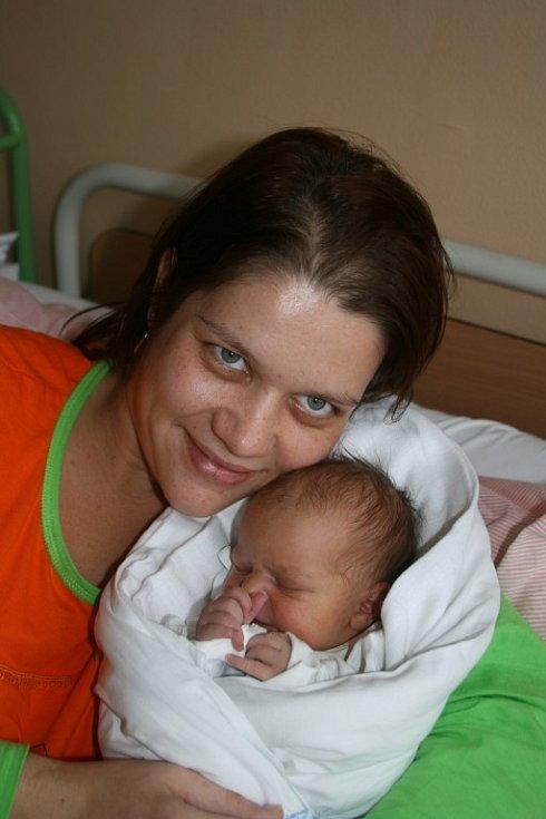 Patrik (3,20 kg, 50 cm) se narodil 10.10. v 9:07 v Mulačově nemocnici. Na světě jej přivítali rodiče Zuzka a Stanislav Kalousovi z Plzně
