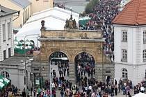 Každoročním turistickým lákadlem je také Pilsner Fest.