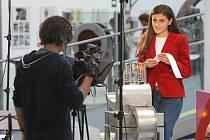 Štáb včera natáčel v plzeňském science centru Techmania pořad Physikawn, který se bude vysílat na dětském kanále katarské televize Al Jazeera