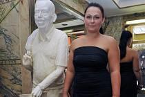 Zatím z polyesterové pryskyřice. Barbora Daušová věří, že se podaří sehnat 150 tisíc na odlití sochy Václava Havla z bronzu