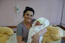 Ema (2,72 kg, 47 cm) se narodila na Nový rok v 00:47 ve FN v Plzni jako prvorozená holčička rodičům Monice a Jiřímu Bečvářovým z Obory u Kaznějova