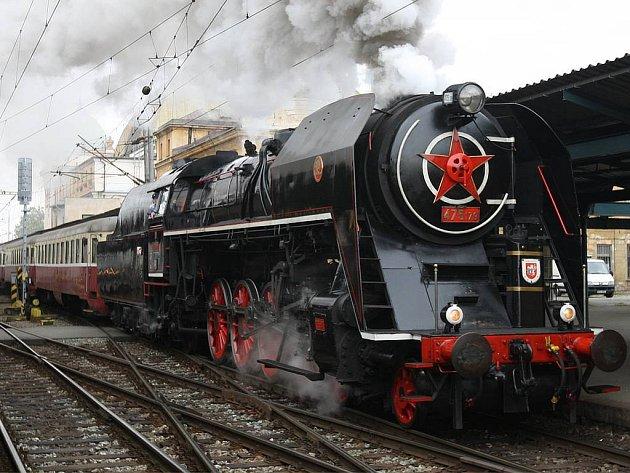 Šlechtična, aneb parní lokomotiva 475.179.