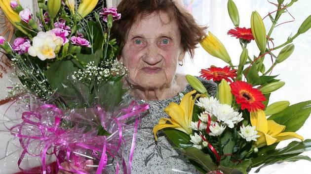 Marie Sozanská z Plzně je stále vitální, sto let by jí nikdo nehádal