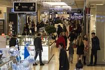 Vánoční nákupy v centru Plaza Plzeň