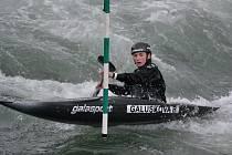 Bára Galušková (na snímku) se stejně jako její sestry prosazuje ve slalomu na divoké vodě.