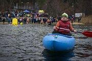 Český pohár v zimním plavání na Velkém boleveckém rybníku v Plzni
