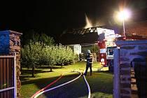 Požár stodoly v Kozlovicích na jižním Plzeňsku