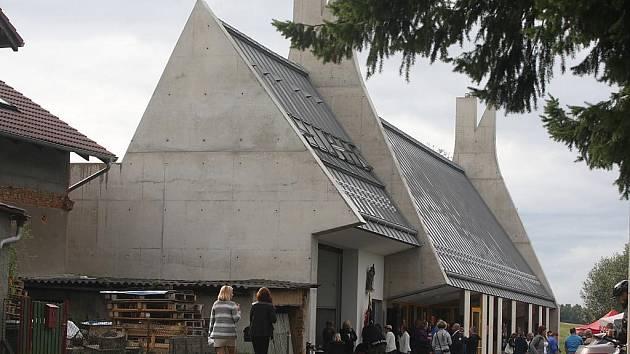 Obec Nevřeň slavnostně otevřela Centrum Caolinum