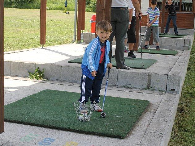 Děti si užily svůj den na golfu