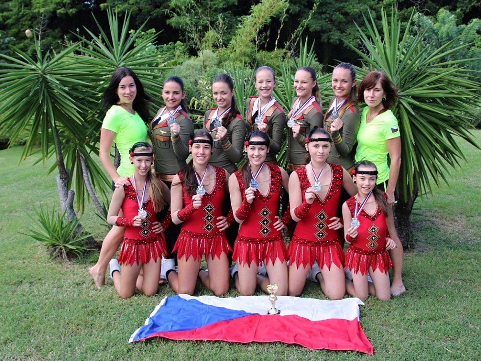 Úspěšně si vedly na mistrovství světa ve sportovním aerobiku, fitness týmech a aerobic group performance  (AGP) na Martiniku členky družstva AE klubu LADY Plzeň, které v kategorii aerobic group performance vybojovaly stříbrné medaile.