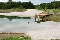 Voda už v jezírkách sice je, ale na osvěžení je ještě brzy.