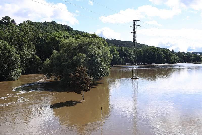 Starý Plzenec - meandr řeky Úslavy, zaplavené louky