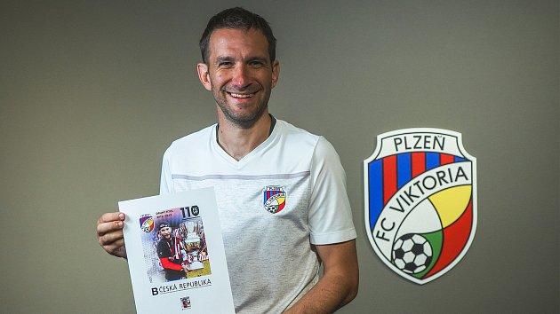 Jednou ztváří unikátní edice známek je Marek Bakoš.