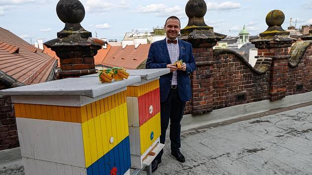 Město stočilo 17 kilogramů medu z vlastních úlů.
