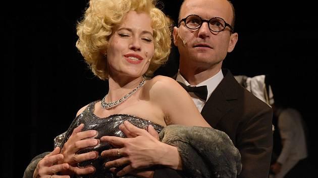 Zkouška muzikálu Marilyn (Překrásné děcko). Na snímku Dalibor Gondík v roli Arthura Millera a Zuzana Kajnarová jako Marilyn Monroe