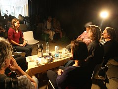 Debaty se zúčastnil Petr Jindra, Tomáš Froyda, Roman Černík, Šárka Trčková, Jan Mergl a Jana Procházková
