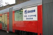 Oslava - Škodovka vyrobila svoji stou tramvaj. Bude jezdit v Praze.