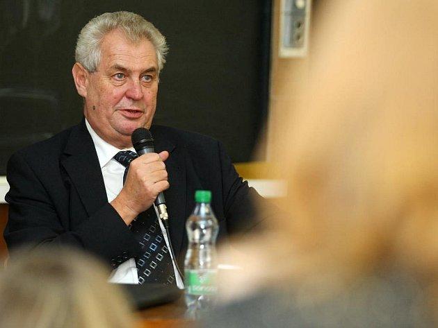 Miloš Zeman na besedě se studenty ZČU