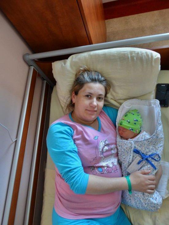 David Turcan se narodil 9. duna ve 13:02 mamince Tatianě a tatínkovi Sirgiovi z Plzně. Po příchodu na svět v plzeňské fakultní nemocnici vážil bráška osmileté Mirely 3830 gramů a měřil 51 centimetrů.