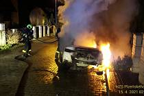 Požár osobního auta v Losiné.