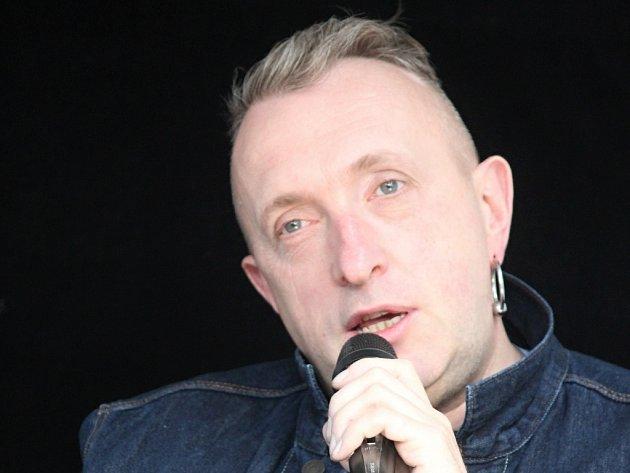 Pražský DJ Mackie Messer.