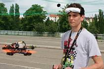 Student Jakub Toman vyhrál v Plzni závod dronů a kvalifikoval se na mistrovství světa, které se koná na Havaji.