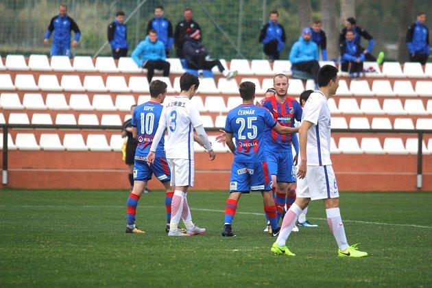 Fotbalisté Viktorky se ve středu na soustředění ve Španělsku utkali sčínským klubem Šanghaj Šen-Chua.