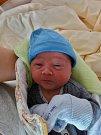Teo Hitrh se narodil 24. května v 1:37 mamince Pavle a tatínkovi Janovi z Města Touškova. Po příchodu na svět v plzeňské fakultní nemocnici vážil bráška tříleté Mii 3370 gramů a měřil 49 centimetrů