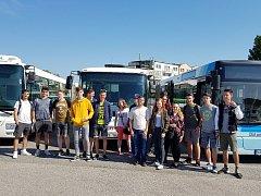 Třída PSD1 plzeňské Střední průmyslové školy dopravní přijala pozvání na exkurzi do areálu ČSAD autobusy Plzeň a. s.