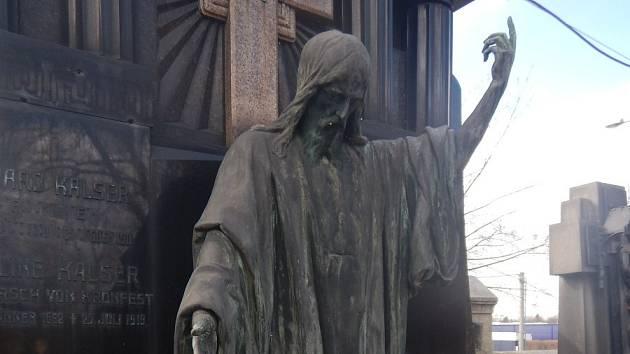 Vzkříšený Kristus od vyzdobitele císařského vozu Otto Lessionga.