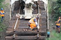 Trhání kolejí mezi Třemošnou a Bílou Horou