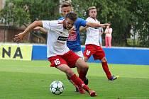 Jakub Szedmák (na snímku v popředí ještě v dresu Klatov) působil v posledních letech v divizních klubech, ale od nové sezony se přesunul do Křimic, které vévodí B třídě.