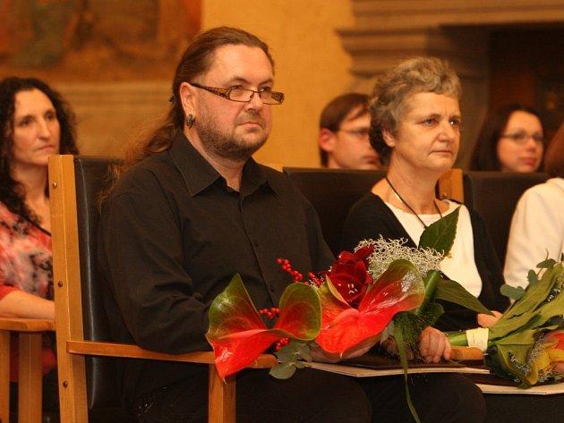 Alena Zemančíková (na snímku vpravo) a Robert Janda  jsou novými držiteli Ceny Bohumila Polana