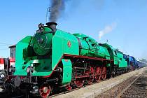 Winton train na zastávce ve Vejprnicích