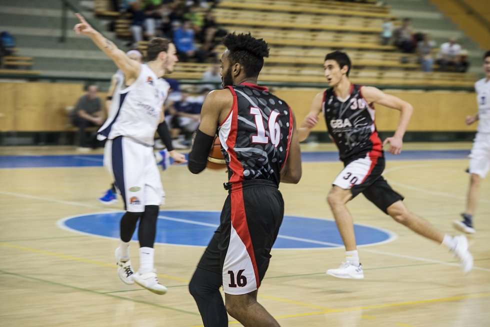 Basketbal - I. liga mužů: Lokomotiva Plzeň - GBA Europe.