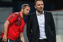 Ve své čtvrteční premiéře si nový trenér Viktorie Karel Krejčí (vpravo) a jeho asistent Pavel Horváth připsali vítězství 3:0 nad srbským týmem Vojvodina Novi Sad.