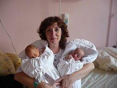 Marie (2,80 kg, 48 cm) se narodila 10. 9. ve 4:50 ve FN v Plzni o minutu dříve se narodil Ondřej (2,63 kg, 48 cm). Z jejich narození se radují rodiče Lenka a Jaromír Káňovi ze Všerub. Doma již mají Štěpánku (12) a Anežku (10)