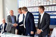 Škoda Transportation zůstává generálním partnerem HC Škoda i v nadcházející sezoně.