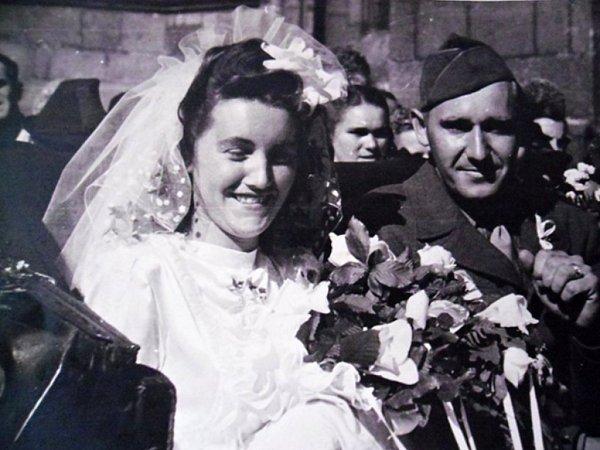 Svatba slečny Houdové zČernic, která si vzala amerického vojáka.