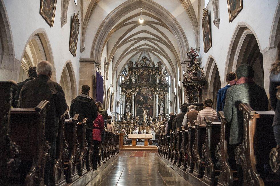 Zelený čtvrtek - mše v kostele Nanebevzetí P. Marie