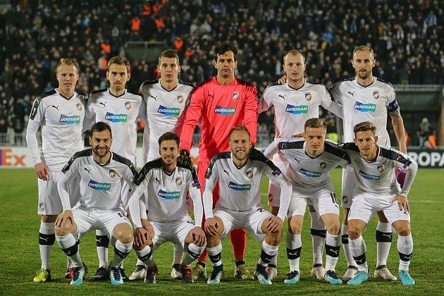 Hráči Viktorie Plzeň ve čtvrtek večer nastoupili vBělehradě kprvnímu utkání vyřazovací fáze Evropské ligy proti domácímu Partizanu.