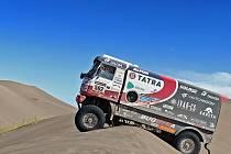 Posádka Tatra Buggyra Racingu na dakarské rallye