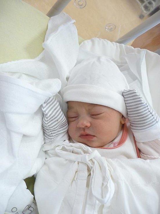 Maminka Michaela a tatínek Jaroslav z Plzně se radují z narození Julie (3,34 kg, 50 cm). Jejich prvorozená holčička přišla na svět 23. listopadu ve 22:45 v plzeňské fakultní nemocnici