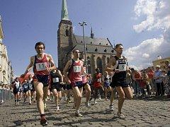 Plzeňský  půlmaraton zavede vytrvalce stejně jako loni do atraktivních kulis historického jádra města