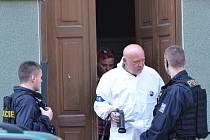 Správce domu zastřelil jeden z nájemníků, poté se udal policii