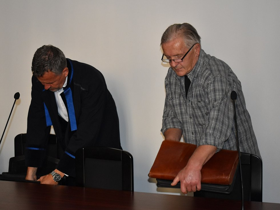 Lubomír Volín (66) z Plzeňska u krajského soudu.