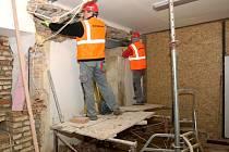Dělníci při stavbě