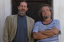 Pavel Hauer a Milan Kasl (na snímku zleva) vystavují společně v Galerii InterCora v Plzni na Borech
