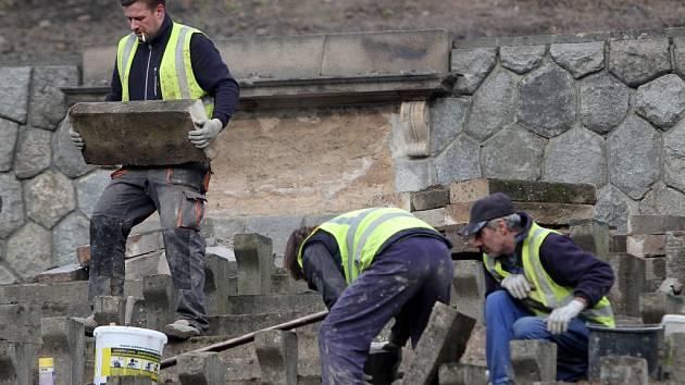 Lochotínský amfiteátr prochází rekonstrukcí