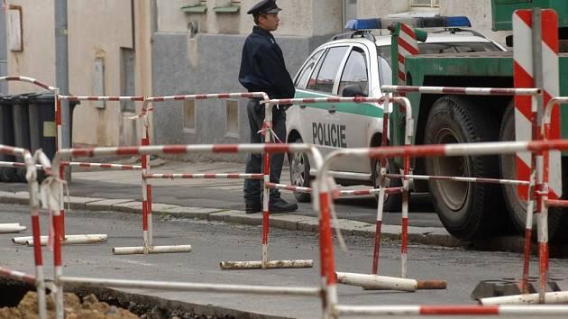 Okolnosti přijela do Jablonského ulice vyšetřovat policie
